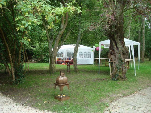 Tentes dans le parc