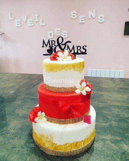wedding cake gold et rouge