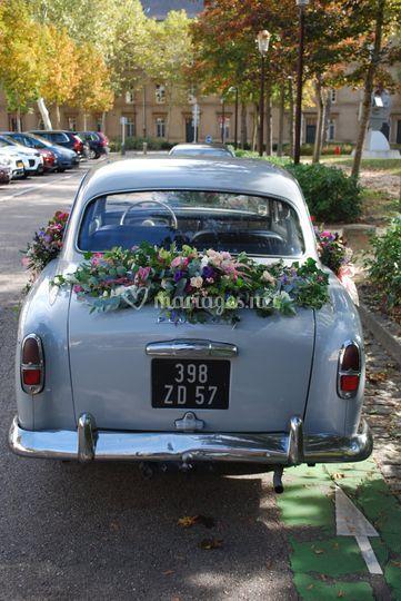 Vue arrière Peugeot 403