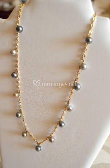 Collier perles breloques