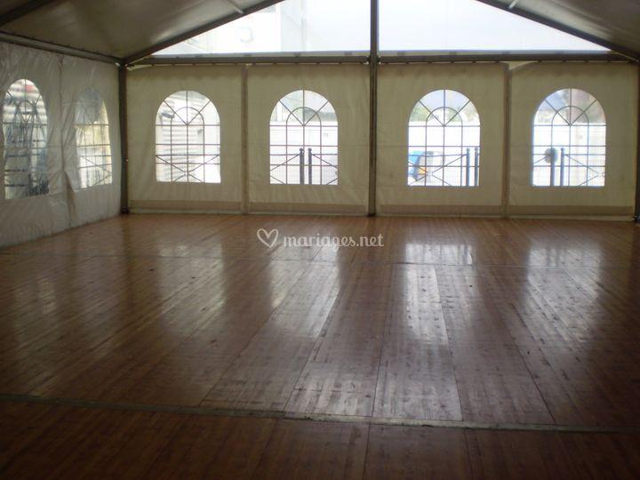 Tente 100 m² avec plancher