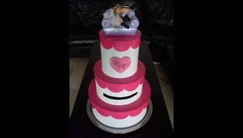 DIY pour réaliser une urne en forme de wedding cake