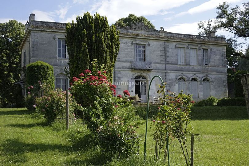 Château et ses fleurs