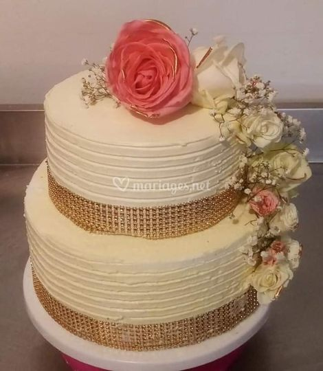 Weeding cake finition crème