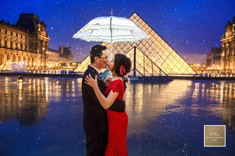 Paris photo couple
