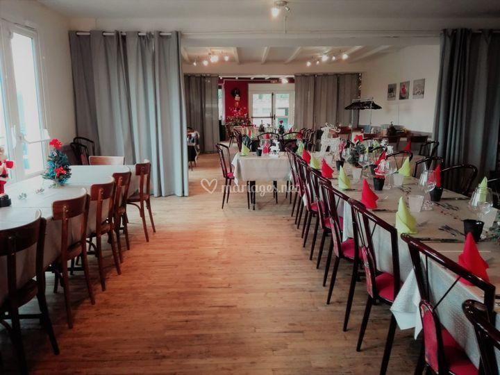 Salle du restaurant des pins