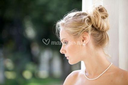Chignon avec anglaises pour la coiffure de mariage