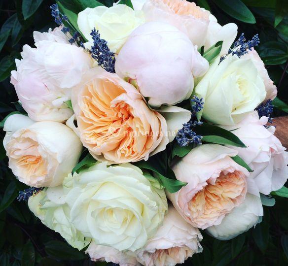 Bouquet rond pivoines