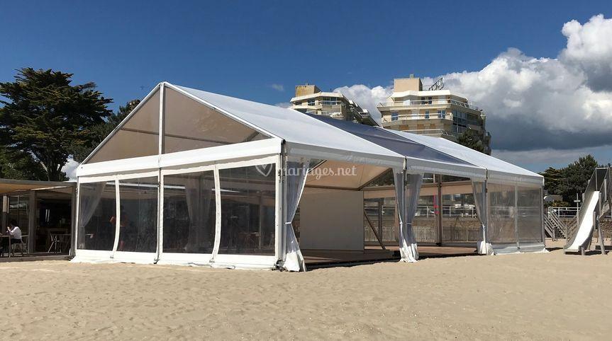 Chapiteau 150 m2 sur plage