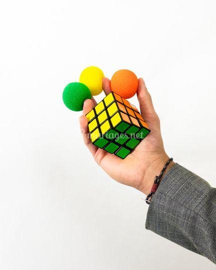 Des tours de rubik's cube
