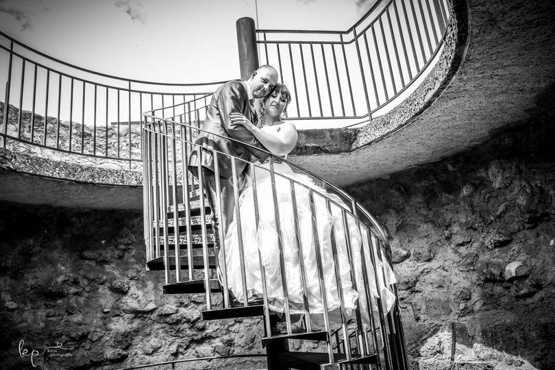 Dans l'escalier!