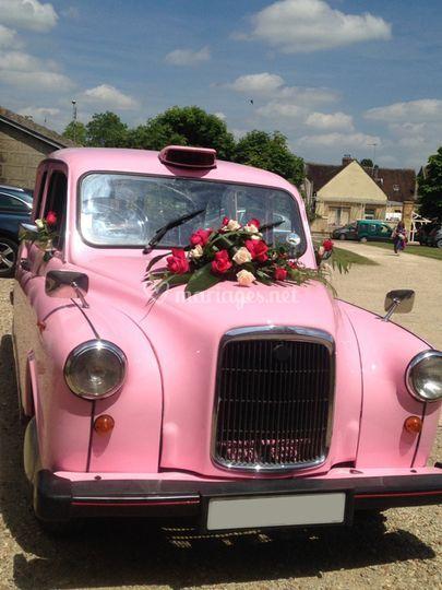 Le seul taxi anglais rose