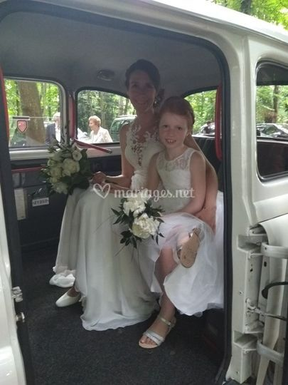 "Le ""Taxi Blanc"" Wedding Cab"