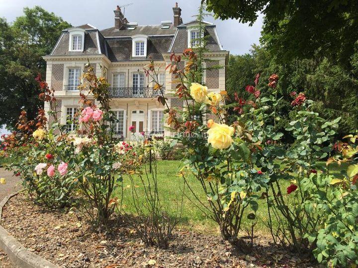 Chateau D Avesnes Le Castelet