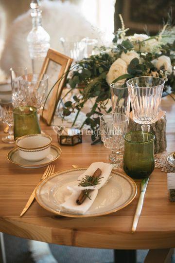 Assiettes & couverts dorés