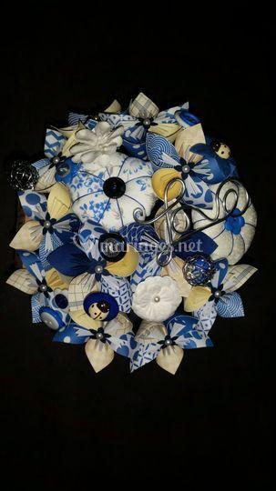 Bouquet ivoire et bleu foncé