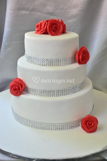 Wedding cake roses et argent