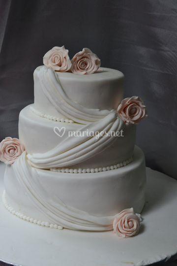 Wedding cake drapé