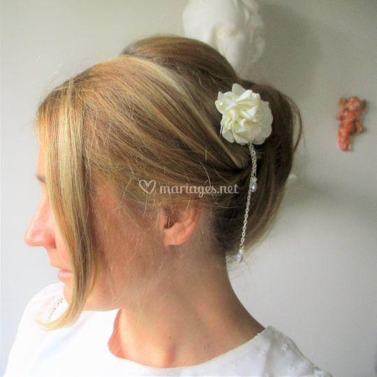 Peigne à fleurs ivoire