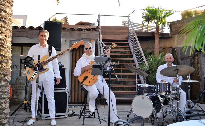 """""""Pearl Beach"""" - St Tropez"""