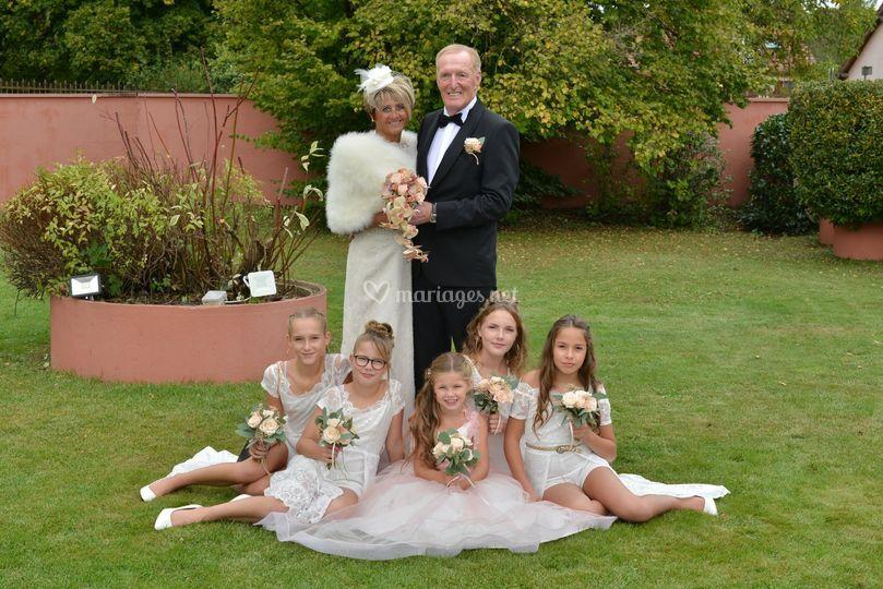 Les mariés et petits enfants