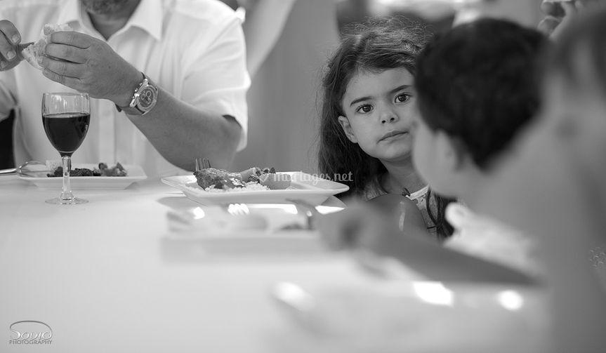 Enfants à table mariage France