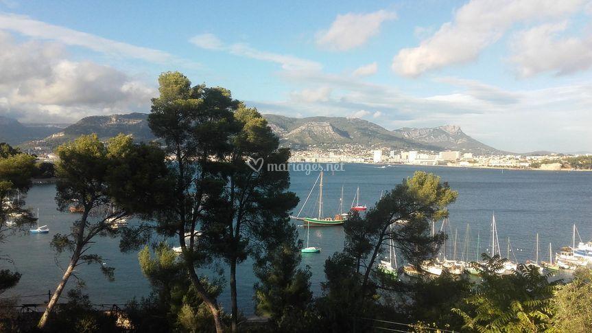 Vue Toulon et montagnes
