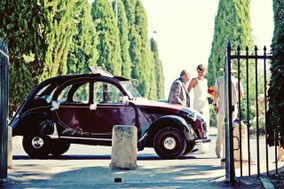 2CV Around The Pic