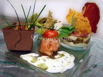 Saumon, herbes et sauce