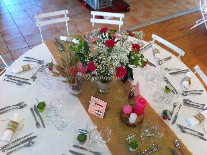 Belle table dans le Gers