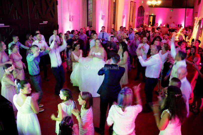 Belle danse des mariés