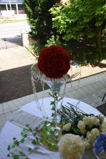 Vase martini boule de fleurs