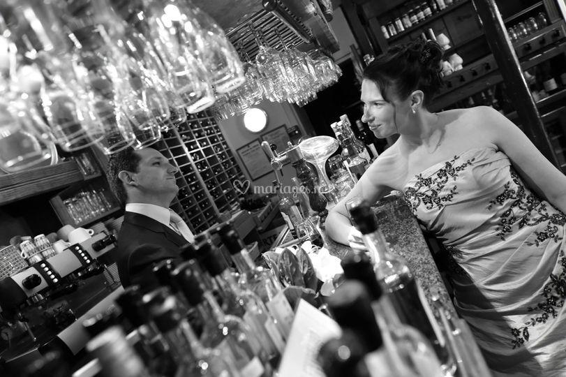 La mariée au bar