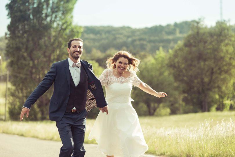 Mariés qui courent