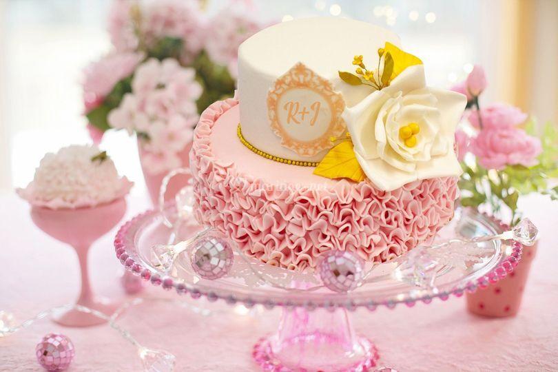 Mariage gâteau rose