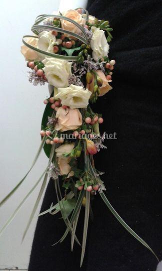 Bouquet de mariée en chute