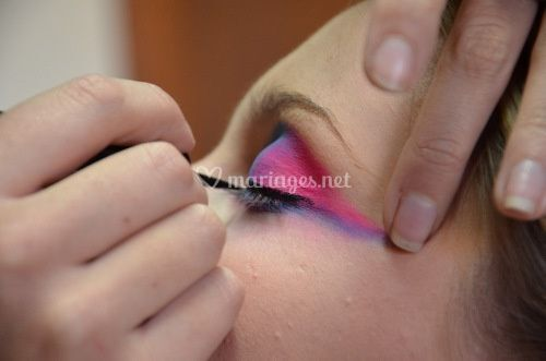 Maquillage couleurs vives