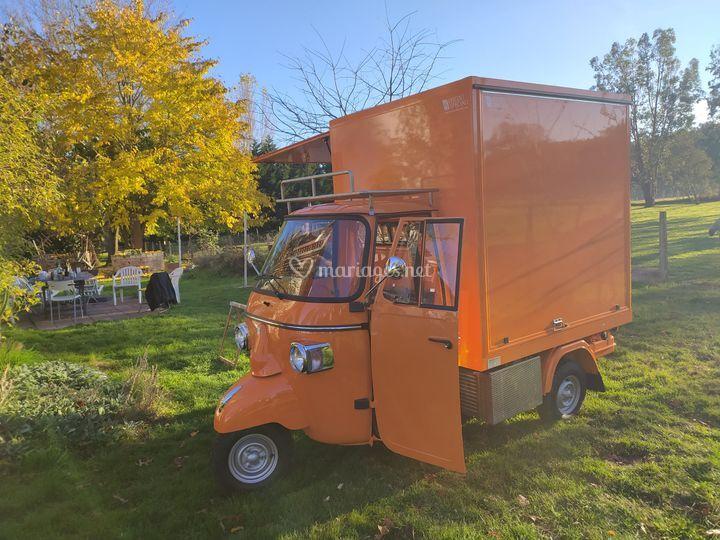 Le Piaggio triporteur orange
