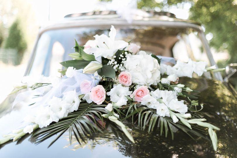 Photo de la voiture des mariés