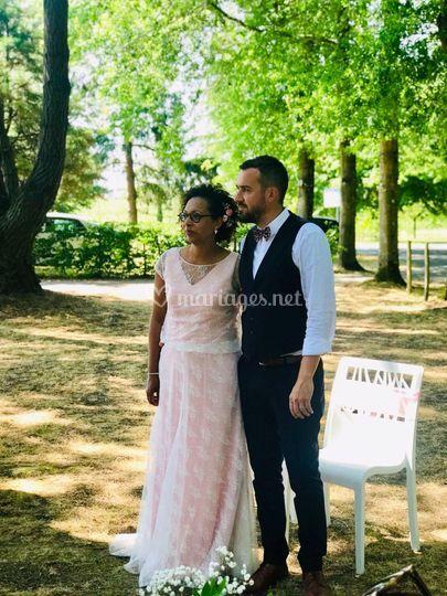 Robe de mariée rose poudrée