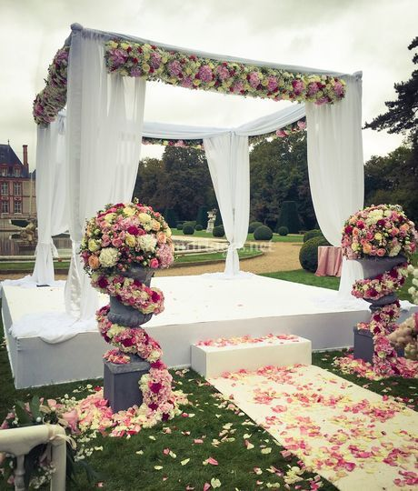 Arche florale à Breteuil