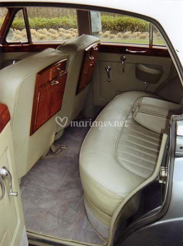 Bentley palace, location de voiture de luxe à Bordeaux