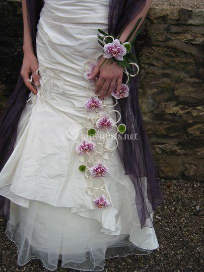 Bouquet de mariée sur bracelet