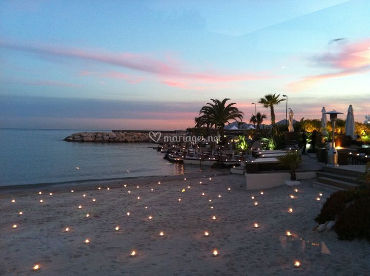 By night Ecrin Plage Cannes