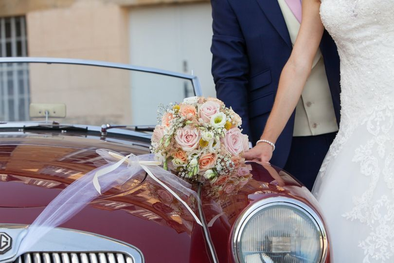 Les mariés, voiture MG