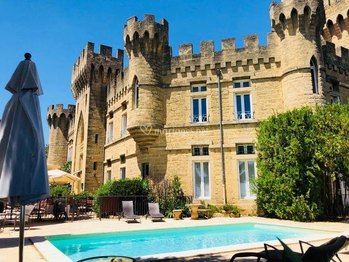 Vue de la Piscine / Château