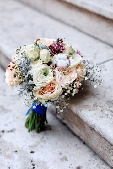 Bouquet de mariée avec renoncules
