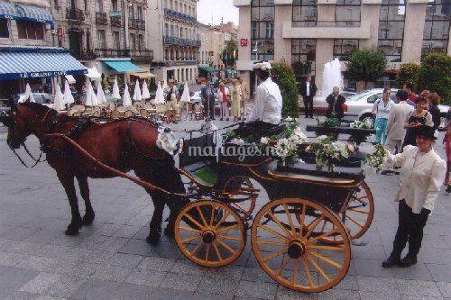 Mariage en calèche en ville