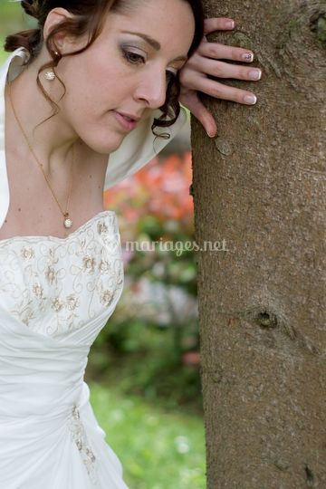 Maquillage et ongles mariée