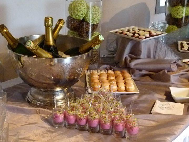 Petits fours et champagne